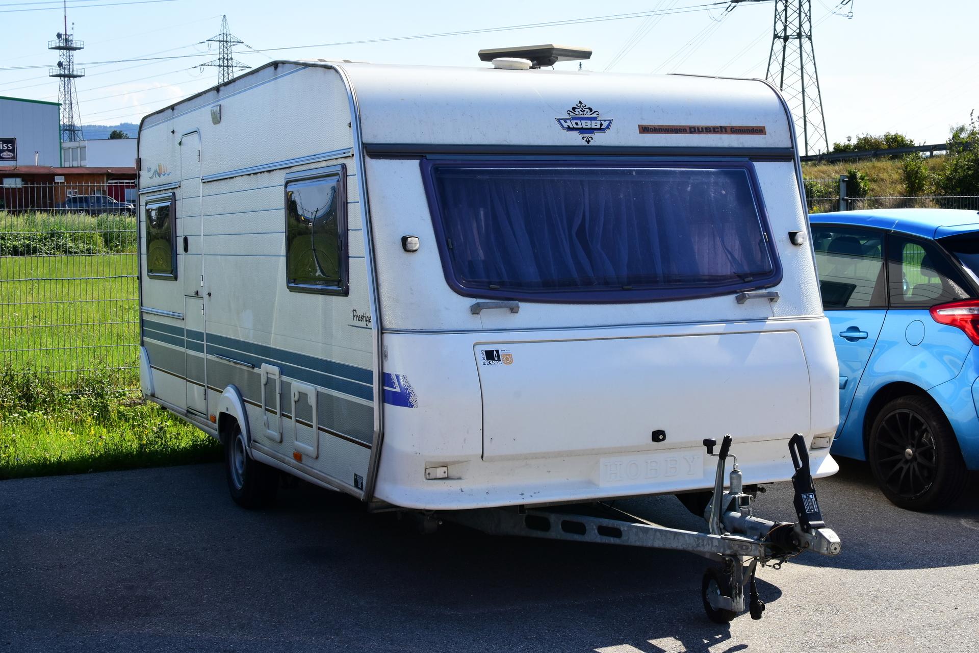 Wohnwagen Doppelachse Etagenbett : Wohnwagen hobby exclusive tÜv neu wohnmobile